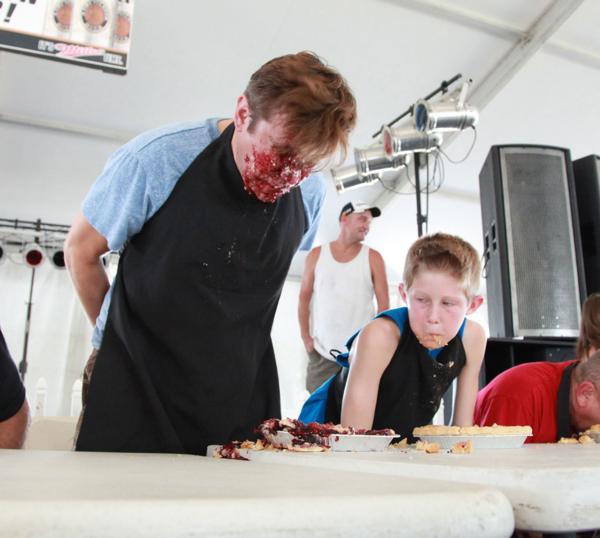020 Pie eating Contest at fair 2014.jpg