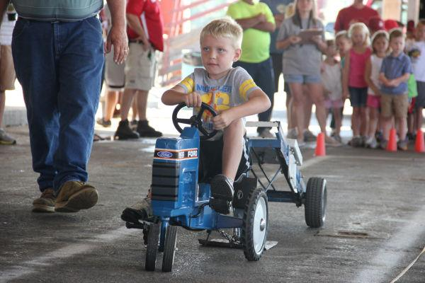 015 Pedal Tractor Pull 2013.jpg