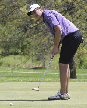 Sullivan Claims Golf District Crown, Area Golfers Advance