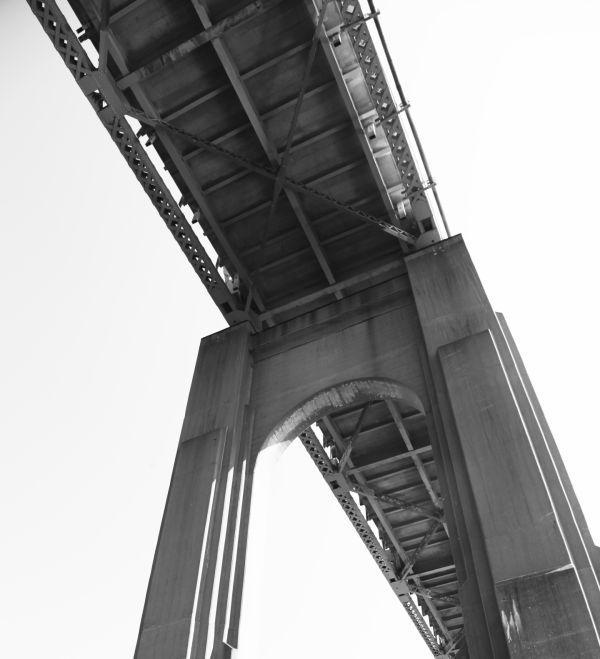 010 Missouri River Bridge in Black and White.jpg