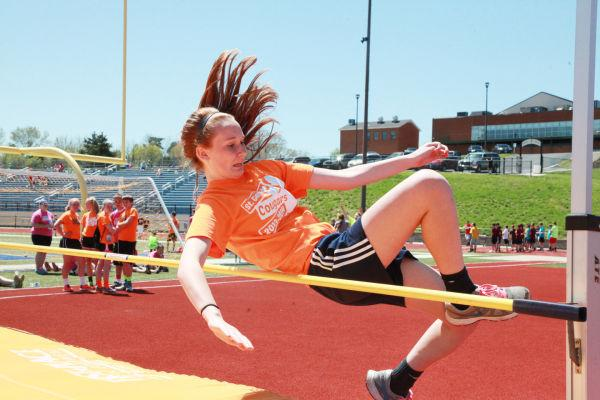 020 7th and 8th Grade Track and Field.jpg