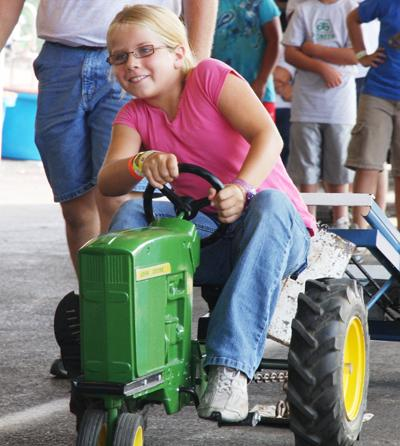 028 Fair Pedal Tractor.jpg