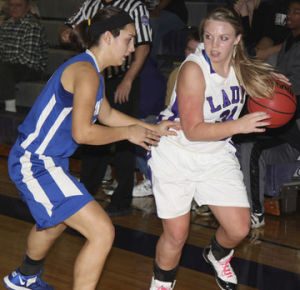Lady Indians Edge Washington