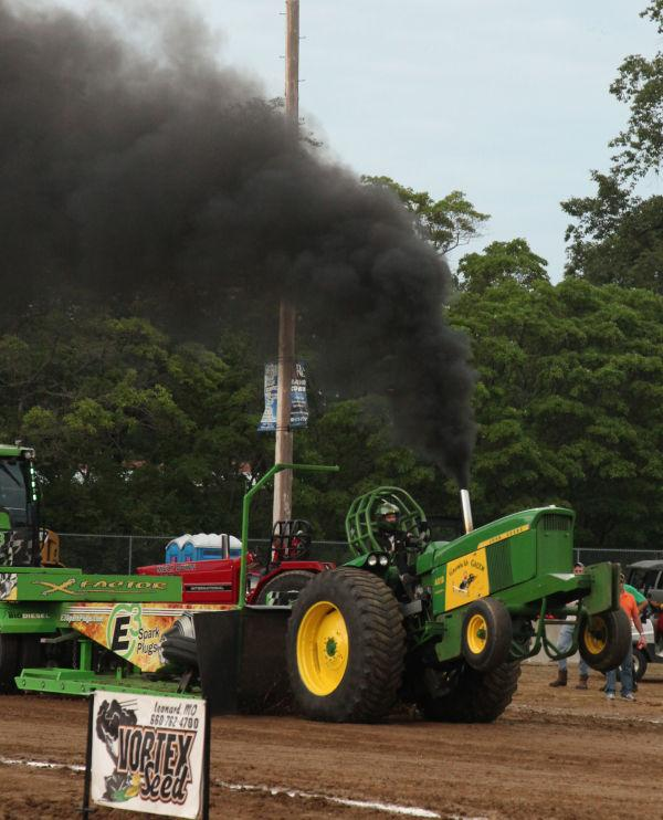 041 Tractor Pull Fair 2013.jpg