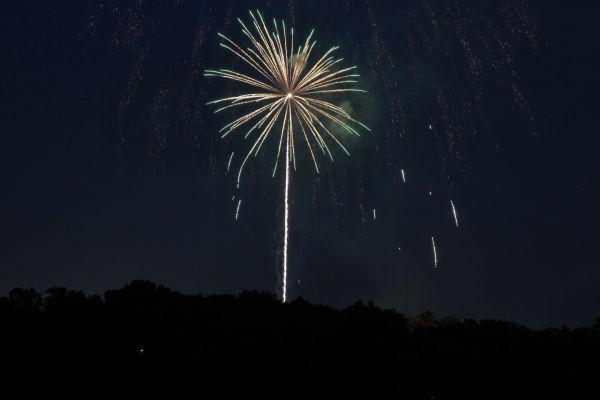 006 Washington MO Fireworks.jpg