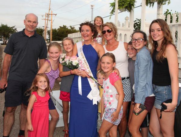 036 New Haven Fair Queen Contest 2014.jpg