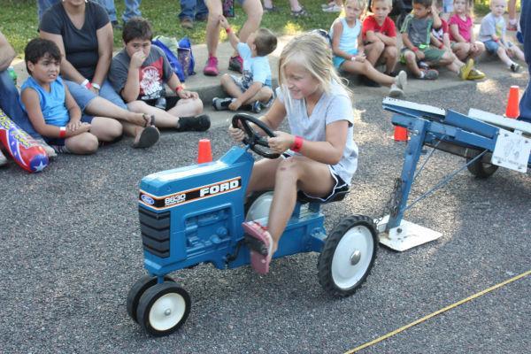 009 Franklin County Fair Pedal Tractor Pull.jpg