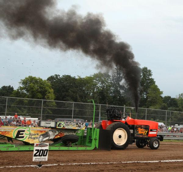 035 Tractor Pull Fair 2013.jpg