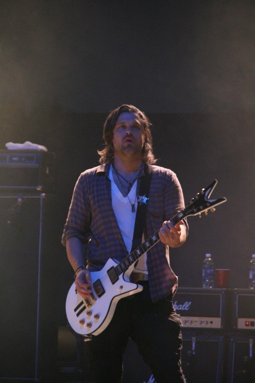 004Collective Soul Play TnC Fair 2011.jpg