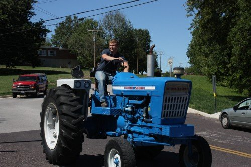 004 Tractors Union.jpg