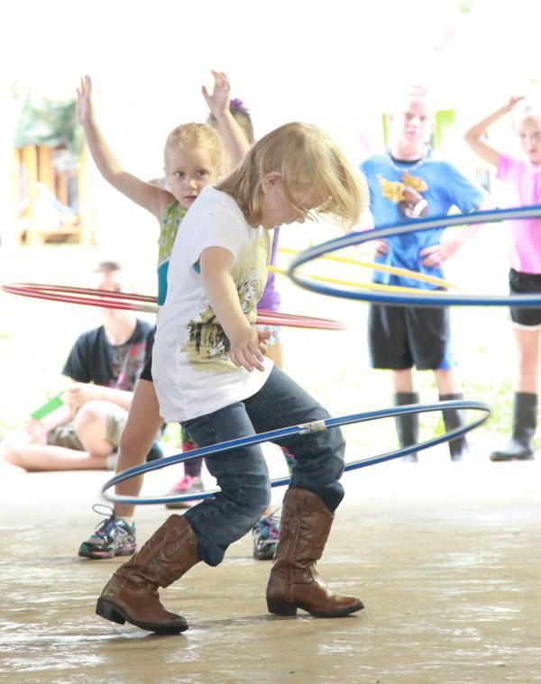 009 Fair Hula Hoop Contest 2014.jpg