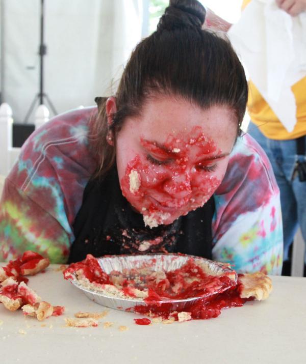 031 Pie eating Contest at fair 2014.jpg