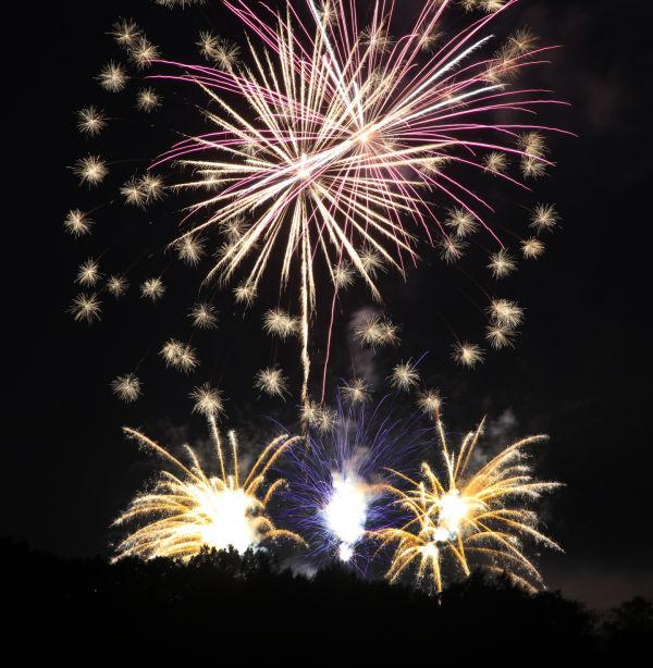 007 Washington MO Fireworks.jpg