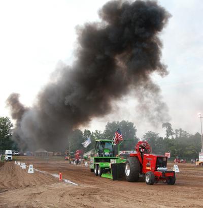 039 Fair Tractor Pull.jpg