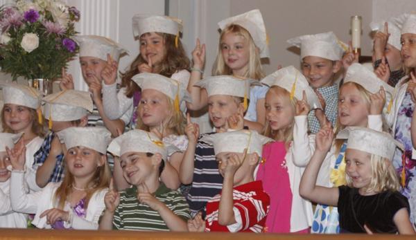011 St. Gert Kindergarten Grad.jpg