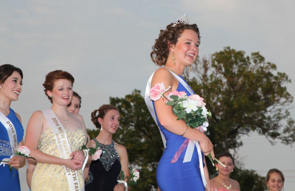 031 New Haven Fair Queen Contest 2014.jpg