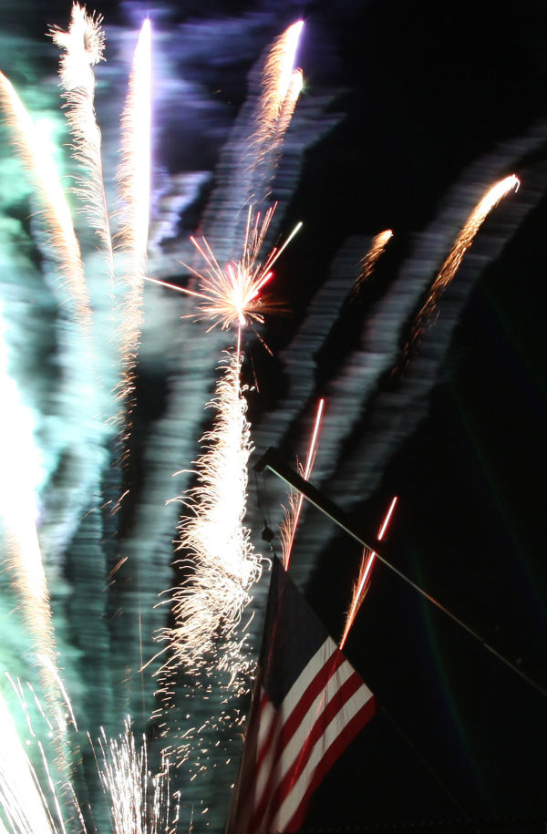 005 Fireworks in Washington May 24.jpg