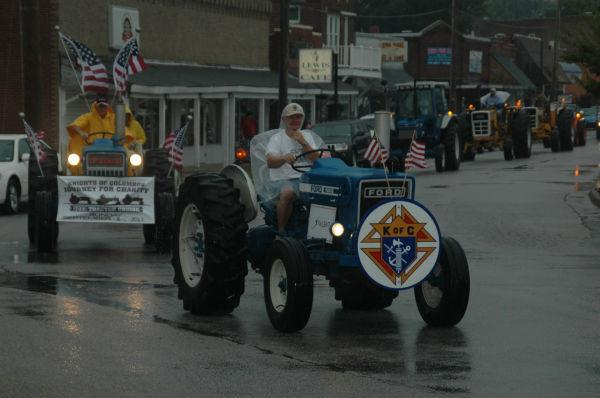 019 Tractors in St Clair.jpg