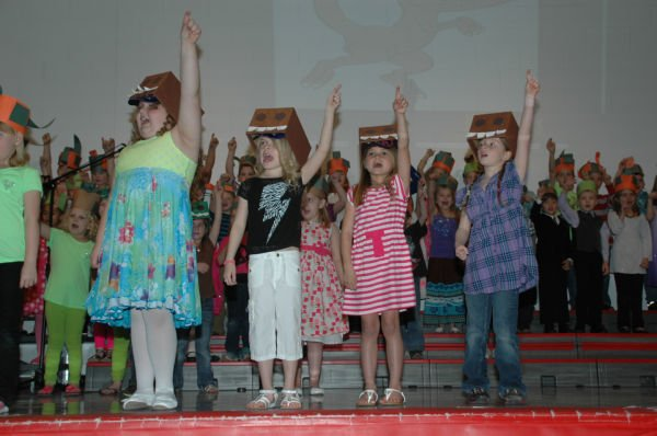 009 St Clair First Grade Concert.jpg