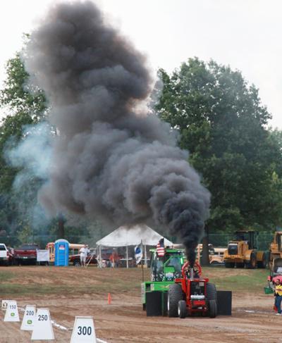 034 Fair Tractor Pull.jpg