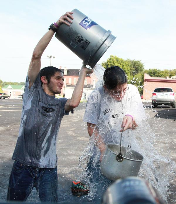 021 Washington Missourian Newspaper Ice Bucket Challenge.jpg