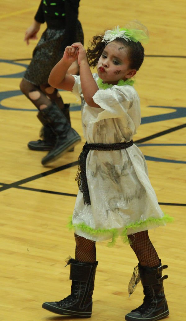 035 Starry Knights Dance Extravaganza 2014.jpg