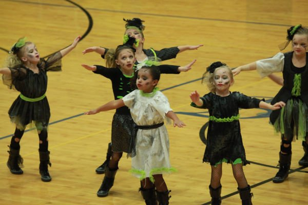 038 Starry Knights Dance Extravaganza 2014.jpg
