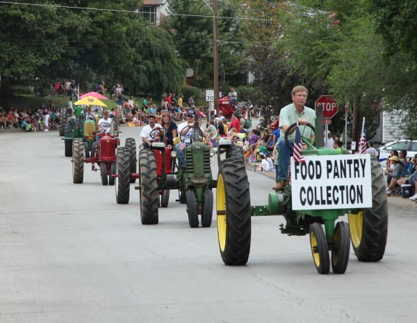 017 Fair Parade 2013 Gallery 1.jpg