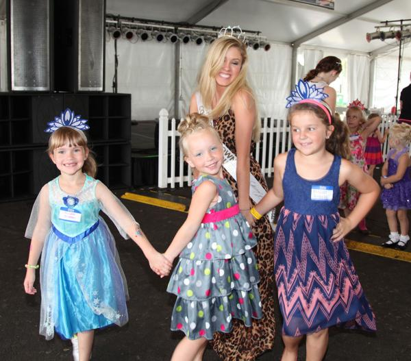 028 Queen for a Day 2014.jpg