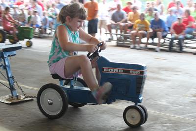 008 Fair Pedal Tractor.jpg