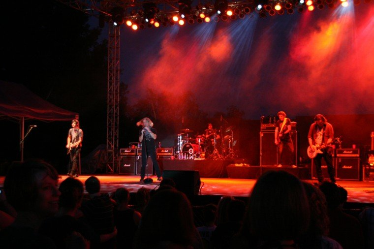 007Collective Soul Play TnC Fair 2011.jpg