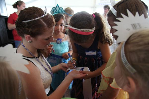 017 Queen for a Day 2014.jpg