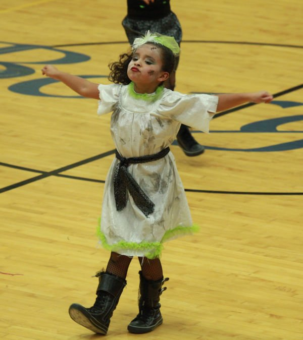 036 Starry Knights Dance Extravaganza 2014.jpg