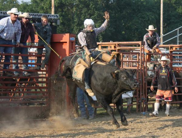 016 Bull Ride.jpg