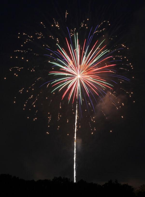 010 Washington MO Fireworks.jpg