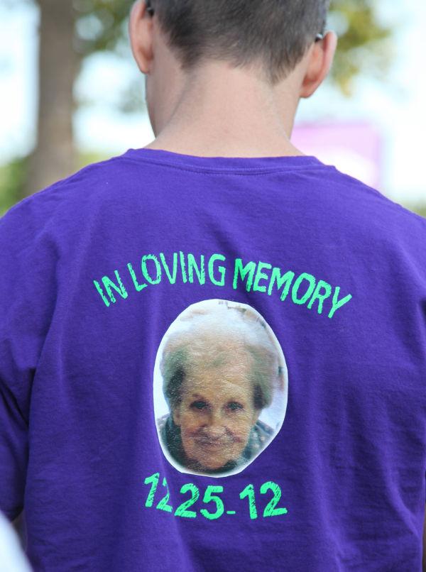 012 Alzheimer Walk 2013.jpg