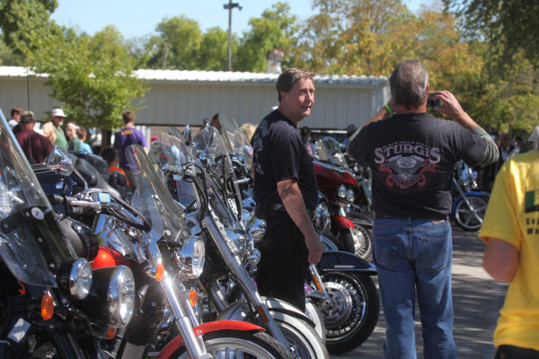 001 Patriot Guard Riders At Moving Wall.jpg