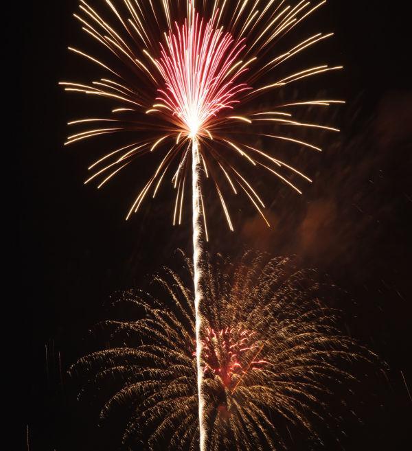 021 Washington MO Fireworks.jpg
