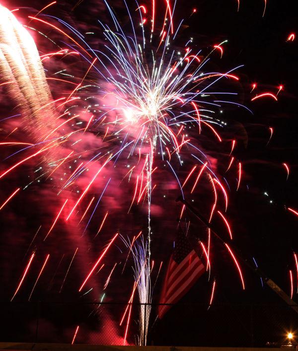 004 Fireworks in Washington May 24.jpg