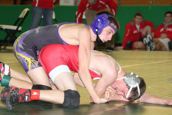 043cl2dist1wrest13.jpg