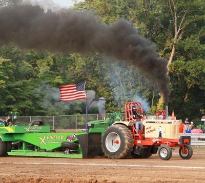 010 Fair Tractor Pull.jpg