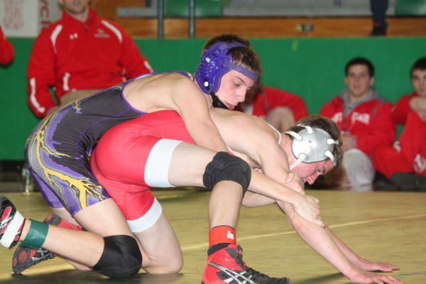 044cl2dist1wrest13.jpg