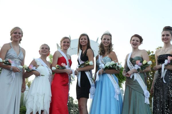033 New Haven Youth Fair Queen Contest 2013.jpg