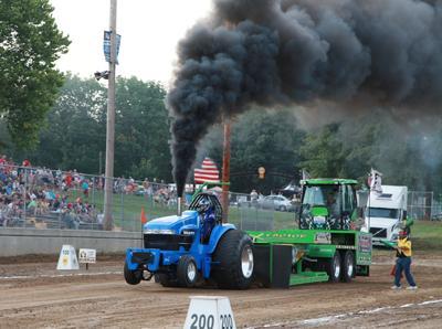 029 Fair Tractor Pull.jpg