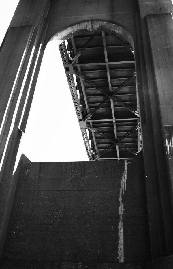 011 Missouri River Bridge in Black and White.jpg