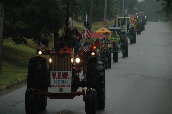 016 Tractors in St Clair.jpg