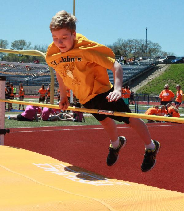 031 7th and 8th Grade Track and Field.jpg