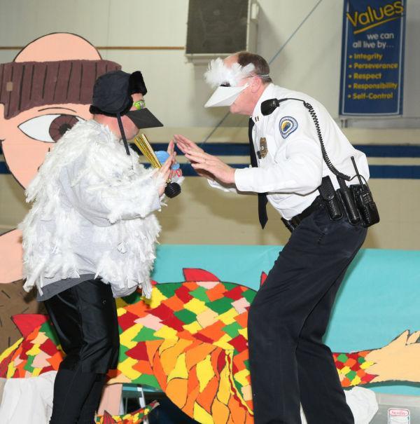 010 FRN police.jpg