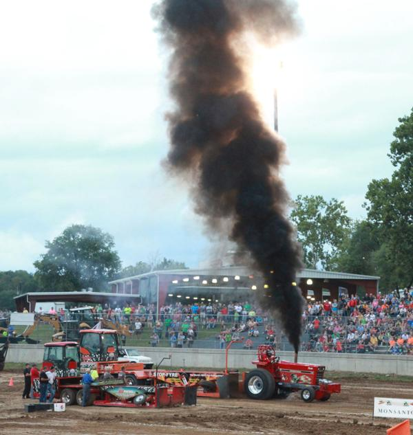 018 Tractor Pull at the Fair 2014.jpg