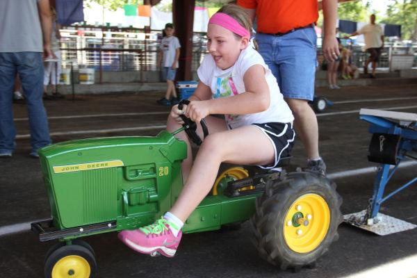 020 Pedal Tractor Pull 2013.jpg